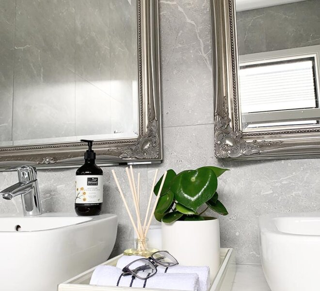 Common Bathroom - Balwyn North - Interior Design - Interior Matters
